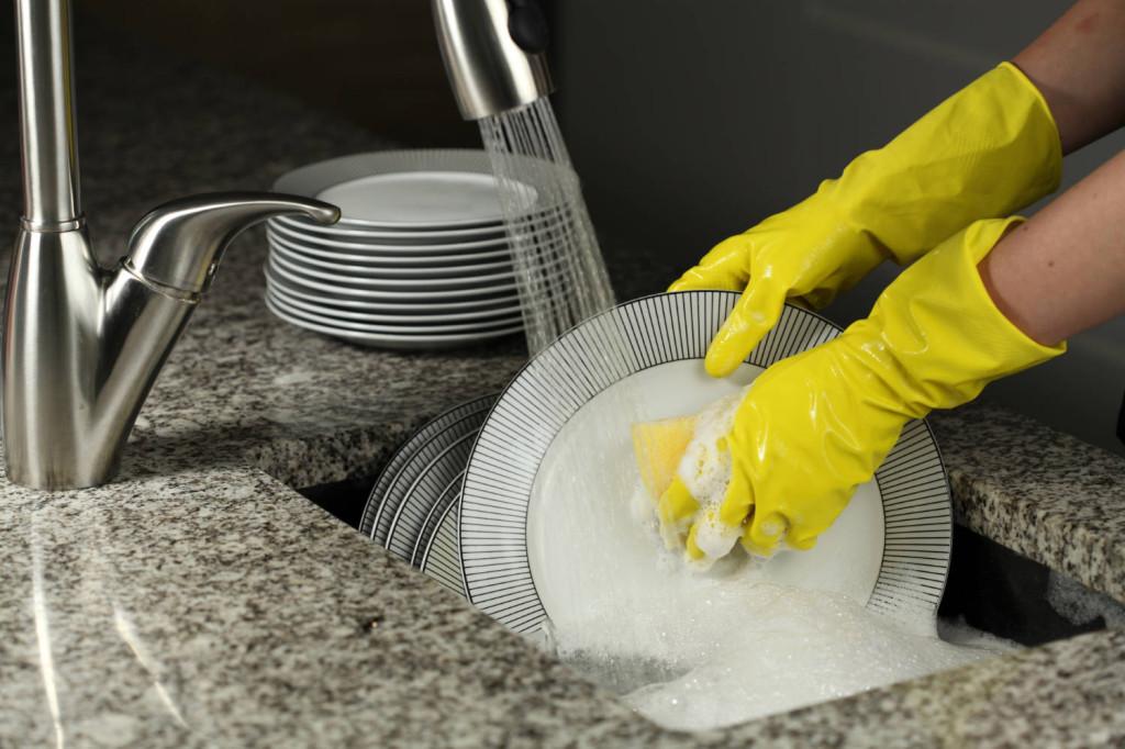 laver-degraisser-vaisselle-conomique_1413991810