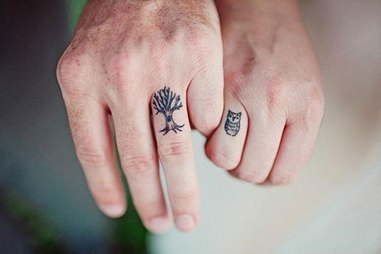 Le tatouage doigt : discret et élégant !