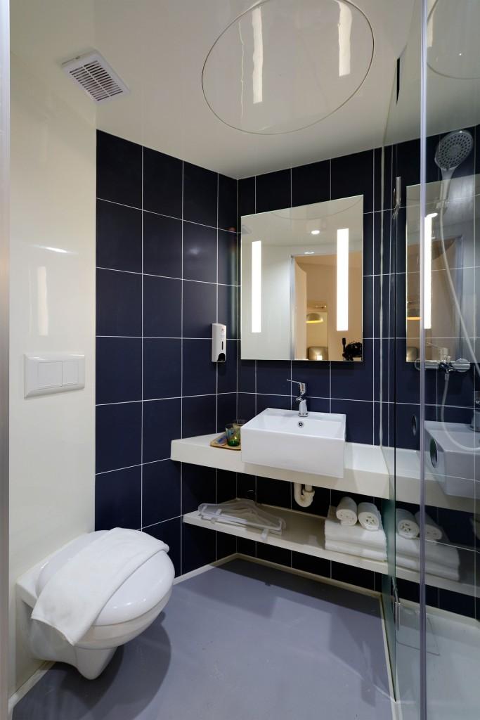 Du carrelage en faïence artisanale pour votre salle de bain