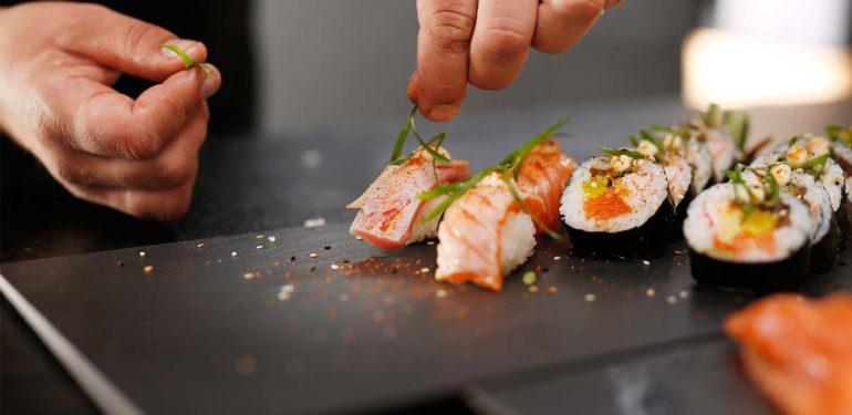 restaurant japonais comment manger de bons sushis. Black Bedroom Furniture Sets. Home Design Ideas