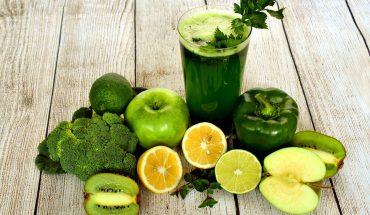 Smoothie à base de fruits et légumes